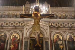 Οι «φύλακες άγγελοι» της ιστορικής εκκλησίας στο Καστελόριζο! Το αρραβωνιασμένο ζευγάρι που τραβάει την προσοχή!