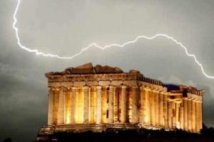 Έκτακτο: Eκκενώνεται η Ακρόπολη!