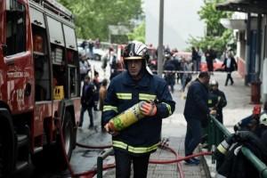 Πανικός στο ΑΠΘ από την φωτιά: Εγκλωβισμοί και αναπνευστικά προβλήματα! (Video)