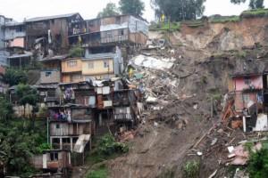 Κολομβία: 28 νεκροί μετά από κατολίσθηση!