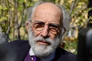 Αποζημίωση μαμούθ ζητά ο Αλέξανδρος Λυκουρέζος