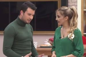 Power of Love: Στημένη η σχέση Άννας - Γιάννη; (video)