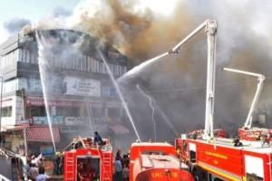 Τραγωδία στην Ινδία: 18 μαθητές σκοτώθηκαν σε εμπορικό κέντρο!