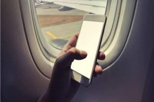Τι θα συμβεί αν δεν κλείσεις το κινητό σου εν ώρα πτήσης;