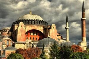 Απίστευτη πρόκληση από την Τουρκία: Καλούν το κόσμο για προσευχή έξω από την Αγία Σοφία!