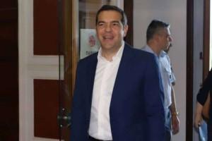 Επικό: Ο Αλέξης Τσίπρας αφιέρωσε τραγούδι στην Νέα Δημοκρατία!