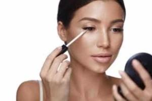 Με αυτό το μακιγιάζ θα κάνεις το πρόσωπό σου να φαίνεται πιο αδύνατο!