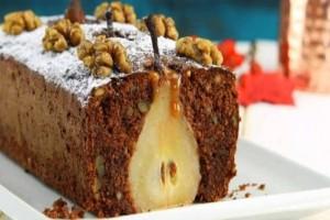 Πεντανόστιμο: Αυτό το φανταστικό κέικ με αχλάδι και καρύδια θα σας κάνει να ξεχάσετε πως κάνετε δίαιτα!
