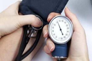 """Υπόθεση πίεση: Ποια είναι η """"σωστή"""" πίεση ανά ηλικία;"""