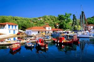 Το ελληνικό νησί χωρίς αυτοκίνητα που με 10 ευρώ τη μέρα κάνεις ονειρικές διακοπές!