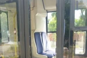 Σοκ στη Θεσσαλονίκη: Επιβάτης λεωφορείου έσπασε με γροθιά το τζάμι πόρτας!