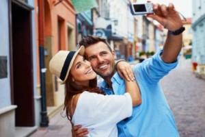 3+1 λόγοι που τα ζευγάρια δεν πρέπει να ανεβάζουν συνεχώς φωτογραφίες στα στα social media!