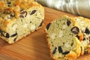 Αλμυρό κέικ με τυρί και ελιές!