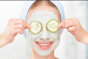 Θες λαμπερή επιδερμίδα το καλοκαίρι; Φτιάξε αυτή τη μάσκα προσώπου!