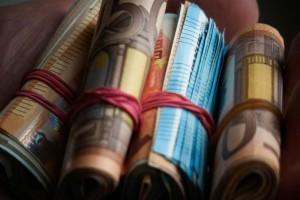 """Επίδομα """"ανάσα"""": 400 ευρώ στους λογαριασμούς μέχρι τον Σεπτέμβριο!"""