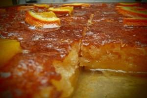 Πεντανόστιμη συνταγή για σιροπιαστή πορτοκαλόπιτα!