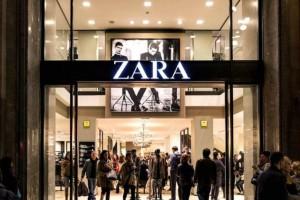 ZARA: Αυτό είναι το καταπράσινο φόρεμα που πρέπει να αγοράσετε!