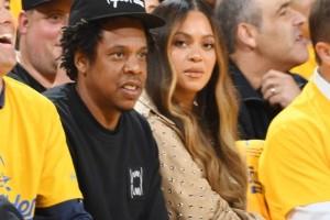 """Το """"δολοφονικό"""" βλέμμα της Μπιγιονσέ στην γυναίκα που μίλησε στον Jay-Z! (Video)"""
