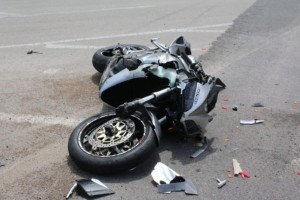Μυτιλήνη: Ανήλικος με μοτοσικλέτα παρέσυρε δυο αστυνομικούς!