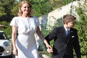 Γάμος Μπαλατσινού - Κικίλια: Ο Μάξιμος συνόδευσε τη μητέρα του στην Εκκλησία!