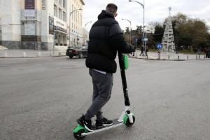 Θεσσαλονίκη: Ηλεκτρικό πατίνι παρέσυρε ηλικιωμένη!