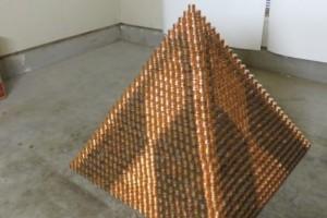 Εντυπωσιακό: Πυραμίδα από 1.000.000 κέρματα! (Video)
