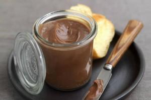 Σπιτική πραλίνα σοκολάτας με 3 υλικά!