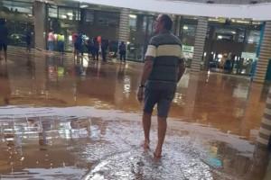 Επικό τρολάρισμα: Εμπορικό κέντρο πλημμύρισε και η μπάντα έπαιζε τραγούδι από τον Τιτανικό! (Video)