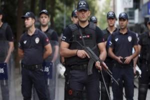 Τουρκία: 128 συλλήψεις στρατιωτικών!
