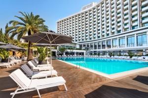 Πισίνα Hilton: Διακοπές στο κέντρο της Αθήνας!