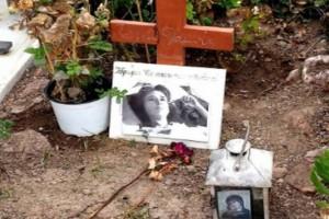 Εικόνες ντροπής: Αυτός ο τάφος ανήκει σε πασίγνωστη Ελληνίδα ηθοποιό!