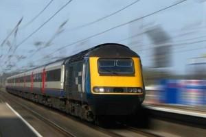 Τραγικό ατύχημα στην Θήβα: Τρένο παρέσυρε και ακρωτηρίασε άντρα!