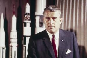 Σαν Σήμερα: Πεθαίνει ο επιστήμονας που έστειλε τον άνθρωπο στην Σελήνη, Βέρνερ Φον Μπράουν!