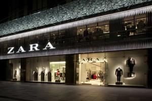 Zara: Το απόλυτο cropped top μόνο με 18 ευρώ!