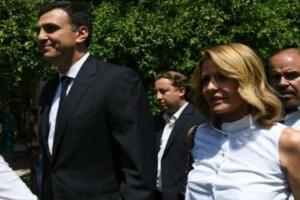 Τιραμόλας η Τζένη Μπαλατσινού: Μπήκε στο αμάξι του Κικίλια με λευκή μπλούζα και βγήκε με κίτρινη! Δεν το πήρε κανείς χαμπάρι!