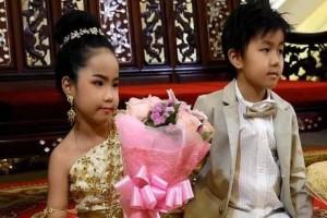 Τραγικό: Δίδυμα αδελφάκια παντρεύτηκαν γιατί οι γονείς πιστεύουν πως ήταν εραστές σε προηγούμενη ζωή!