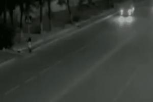 Απίστευτο: Άνθρωπος - φάντασμα σώζει από βέβαιο θάνατο κοριτσάκι! (video)