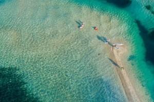 Αυτή είναι η παραλία της Χαλκιδικής που αποθεώνουν Έλληνες και ξένοι!