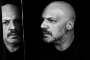"""Νίκος Μουτσινάς: """"Μέναμε μαζί...""""! Η σχέση του με πασίγνωστη Ελληνίδα τραγουδίστρια!"""