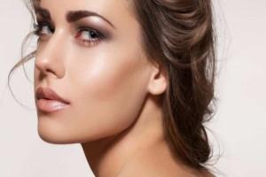 Μυστικά του μακιγιάζ για γυναίκες με λιπαρό δέρμα!