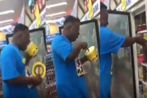 Αδιανόητο: Άνδρας έγλειφε τα παγωτά από την συσκευασία σε σούπερ μάρκετ! (Video)