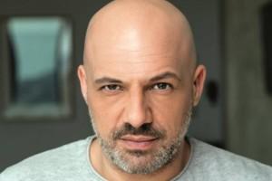 """""""Δεν μου είναι εύκολο..."""": Ο Νίκος Μουτσινάς αποκαλύπτει την ερωτική του ζωή!"""