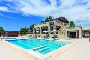Niriides Luxury Villas: Το ονειρικό ξενοδοχείο με θέα το κάστρο της Μεθώνης!