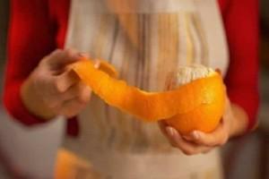 Τι θα συμβεί αν βάλετε μια φλούδα πορτοκαλιού στον φούρνο σας;