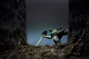 Γιατί οι νεκροί θάβονται ακριβώς 2 μέτρα κάτω από την γη;