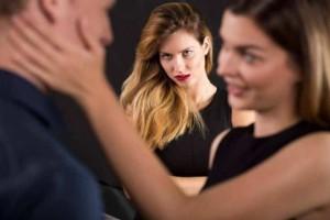Ποιοι είναι οι τρόποι για να μην ζηλεύετε τον σύντροφό σας;