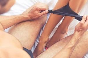Άντρες το νου σας: Oι 5 καυτές στάσεις που πρέπει να ξέρετε για να «τρελάνετε» τις γυναίκες στο κρεβάτι