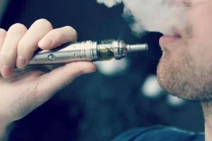 Χρησιμοποιείτε ηλεκτρονικό τσιγάρο; Πετάξτε το αμέσως!