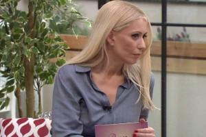 """Μαρία Μπακοδήμου: Στα """"μαχαίρια"""" με ξανθιά παρουσιάστρια!"""