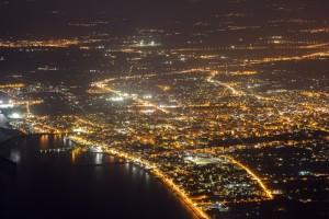 Η φωτογραφία της ημέρας: Η Καλαμάτα από ψηλά τη νύχτα!